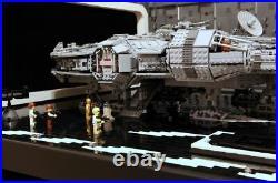 LEGO Millenium Falcon Falke 75192 und Brick Hangar-Bausatz