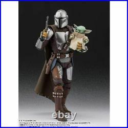 S. H. Figuarts Star Wars The Mandalorian (Beskar Armor) The Child (Yoda) Set